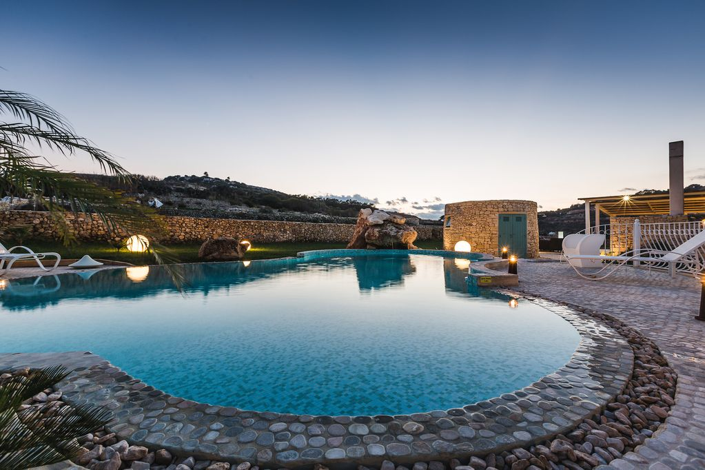 Wedding Villa with pool in Malta